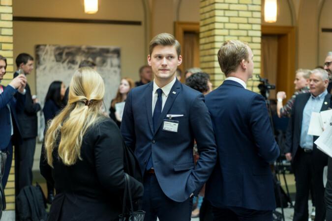 NSO-leder Mats Beldo mener for lite studiestøtte gjør at norske studenter jobber mye. Foto: Ketil Blom Haugstulen