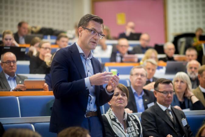Jørgen Fossland, universitetsdirektør ved UiT, ønsker at saker som blir meldt til studentobudet også kommer videre til universitetsledelsen. Foto Ketil Blom Haugstulen