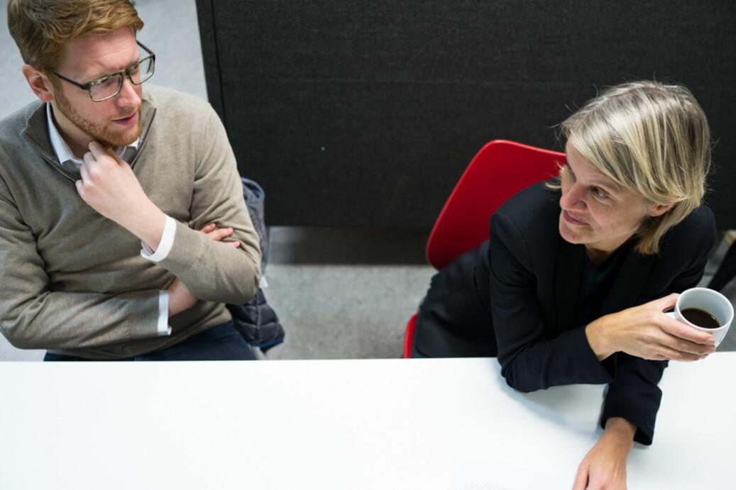 Martin Henriksen mener spørsmålet ikke er om digitalisering kommer, men hvordan og hva det vil påvirke. Nina Sandberg til høyre. Foto: David Engmo