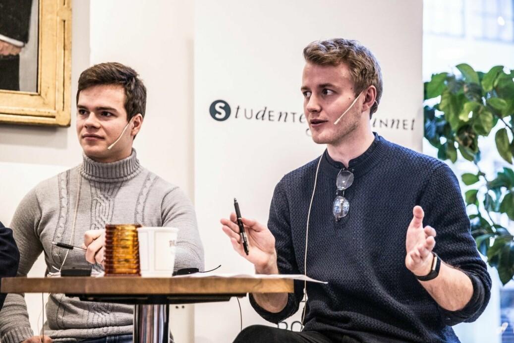 Håkon Randgaard Mikalsen (t.h.), leder for Studentparlamentet på UiB. Foto: Studentersamfunnet i Bergen/Milena Nowak