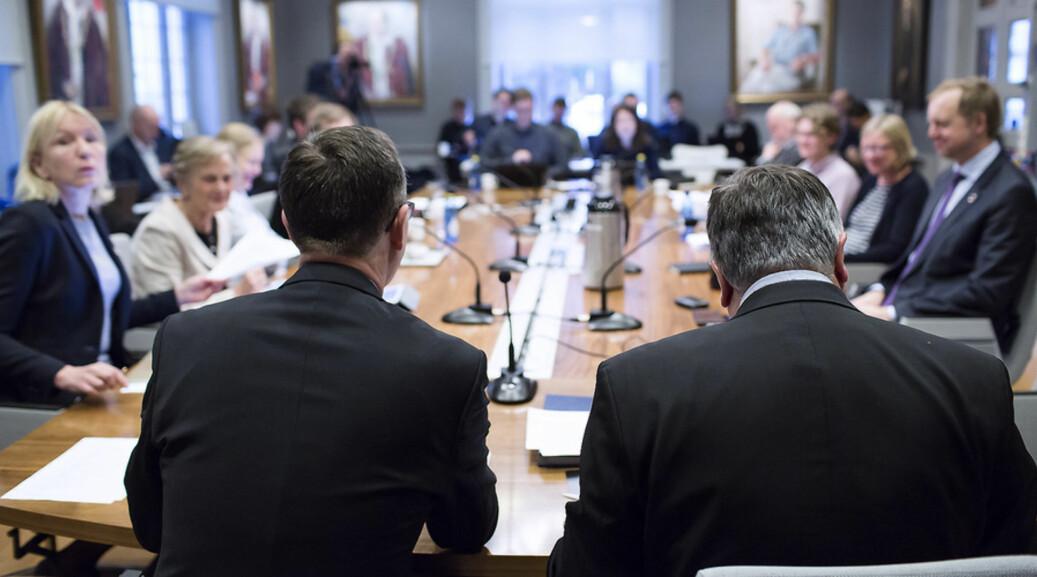Styremøte UIB februar 2018 Frå venstre Dag Rune Olsen, Kjell Bernstrøm. Foto: Silje Katrine Robinson