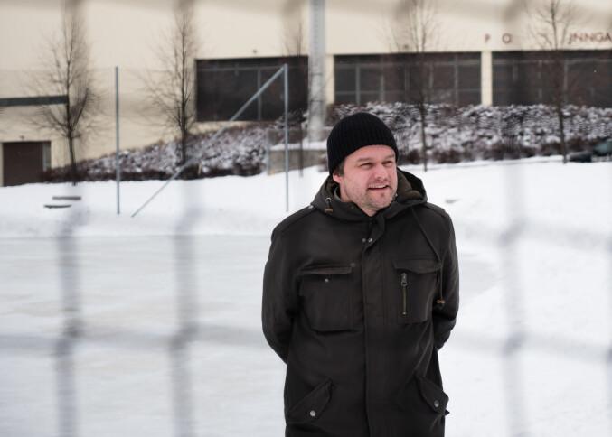 Larsen begynte på doktorgraden i januar 2018, og sier stipendiatlivet så langt har levd opp til forvetningene. Foto: Petter Berntsen