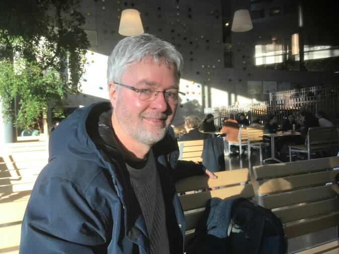 — Tidlig i karrieren tok jeg ikke noe betalt, men etterhvert økte etterspørselen, og jeg ble nødt til å prioritere fritiden, sier Svein Erik Tuastad ved Universitetet i Stavanger. Foto: Tove Lie