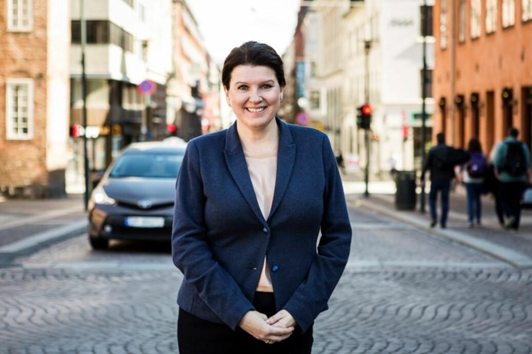 Kari Sollien, leder i Akademikerne er glad for signalene om at regjeringen er åpen for må se på bedre lånemuligheter for studenter over 45 år. Foto: Akademikerne