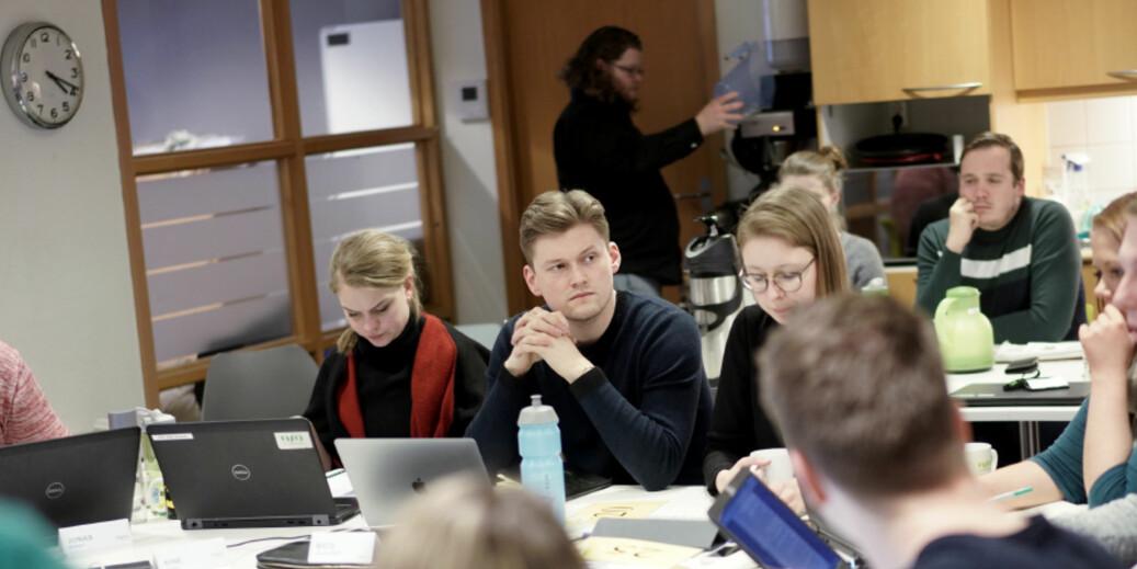 Konklusjonen i dag er at pensum er for dyrt, mener leder i Norsk studentorganisasjon, Mats Beldo, og vil se på mulighetene for å innføre gratis lærebøker også i høyere utdanning. Foto: Ketil Blom Haugstulen