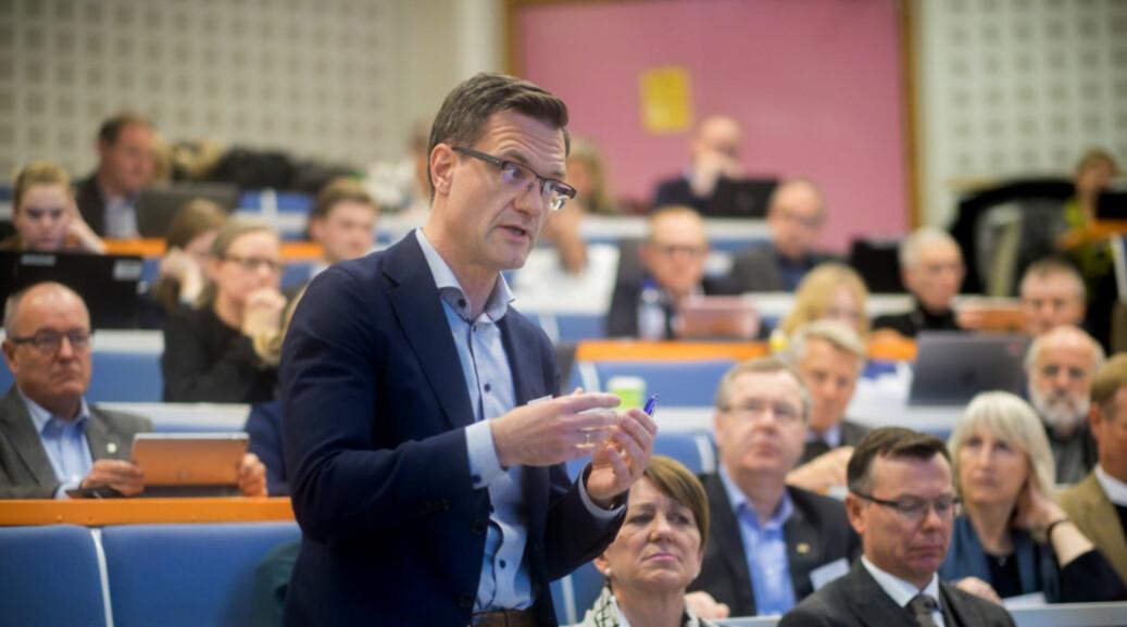 Universitetsdirektør Jørgen Fossland ved UiT har foreslått å kutte 84 millioner kroner i administrasjonen. Foto: Ketil Blom Haugstulen
