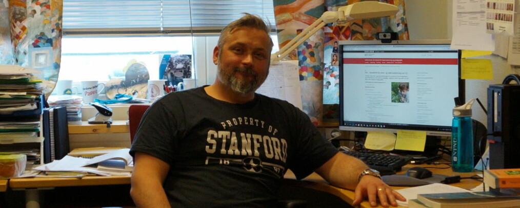 Verneombud Clas Dale kaller universitetets rådføring med ansatte for eksemplarisk.