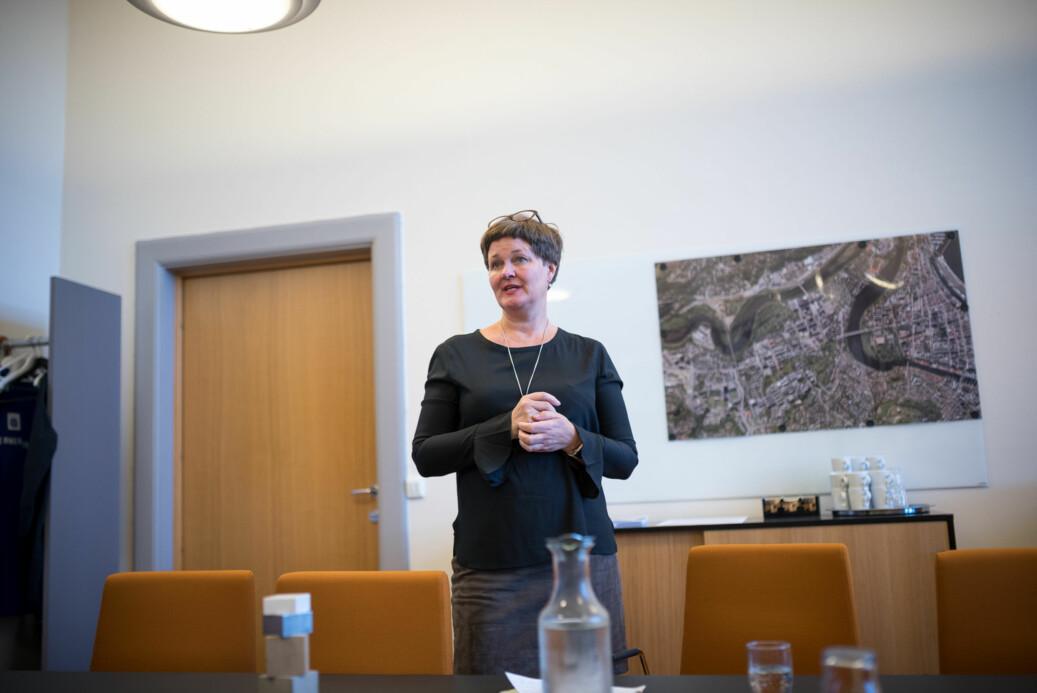 Anne Kristine Børresen, dekan ved Det humanistiske fakultet (bildet) og Marit Reitan, dekan ved Fakultet for samfunns- og utdanningsvitenskap ved NTNU mener humaniora og samfunnsvitenskap burde prioriteres høyere i langtidsplanen for forskning og høyere utdanning.
