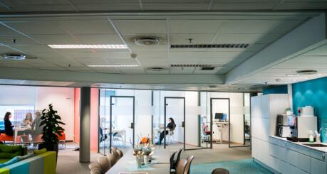 Forskningsminister Nybø måtte svare for åpent kontorlandskap