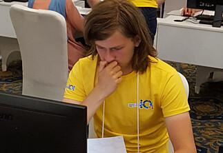 Birk (18) tek allereie eksamen på masternivå