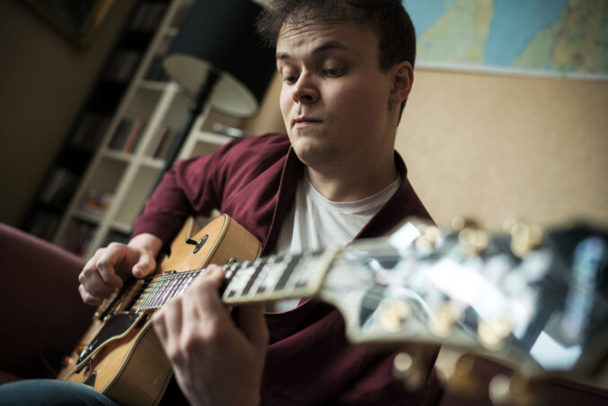 Per Alexander Fossheim Johansen studerer populærmusikk på Westerdals. Foto: Ketil Blom Haugstulen