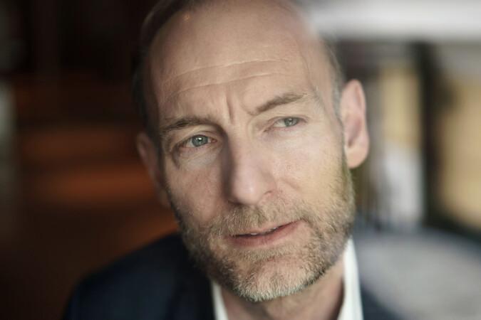 Knut Olav Åmås mener det er et problem at det ikke er meritterende å delta i samfunnsdebatten. Foto: Ketil Blom Haugstulen
