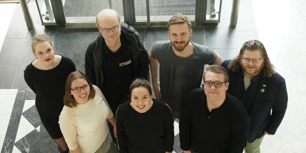 Sju av kandidatene som vil lede Norges studenter spørres ut av Khrono-redaktør Tove Lie. Foto: Ketil Blom Haugstulen