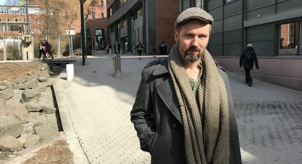 Kim Astrup, forsker II på NIBR, SVA, OsloMet, har blitt redaktør for et nytt tidskrift om boligutvikling og politikk. Foto: Eva Tønnessen