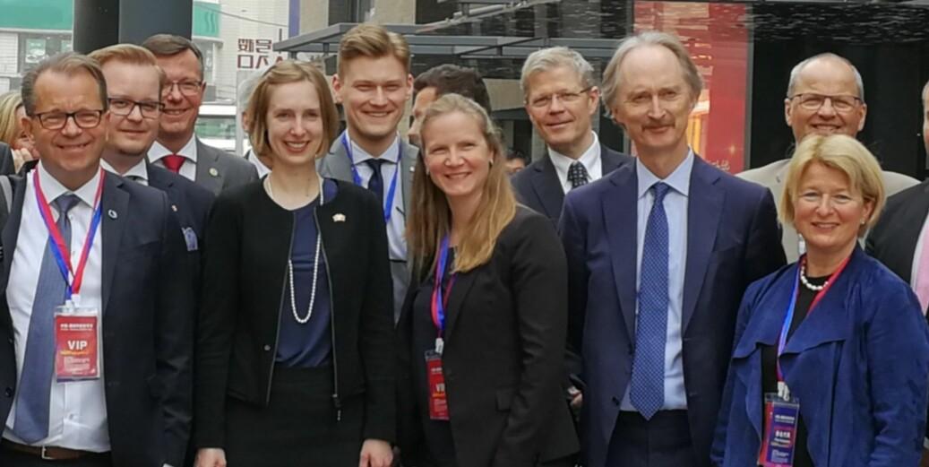 Leder i Norsk studentorganisasjon, Mats J. Beldo (i midten) og Ole Kristian Bratset, president i ANSA (ikke på bildet) fikk ikke komme med sine synspunkter i det offisielle programmet - eller møte en kinesisk studentorganisasjon. Foto: Privat