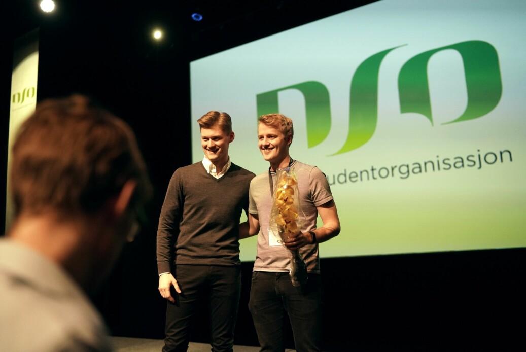 Påtroppende leder i Norsk studentorganisasjon, Håkon Randgaard Mikalsen, sammen med avtroppende leder Mats Beldo. Foto: Ketil Blom Haugstulen.