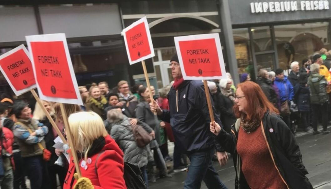 Nei til foretak ved universiteter og høgskoler var med som paroler i årets 1.mai-tog i Oslo. Foto: Tove Lie
