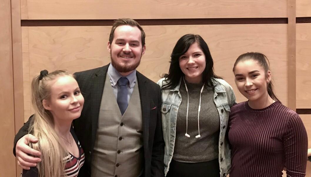Det nye arbeidsutvalget ved UiT består av Tonje Nilsen, Daniel Hansen Masvik, Marie Sivertsen og Martine Tennholm. Foto: Studentparlamentet UiT