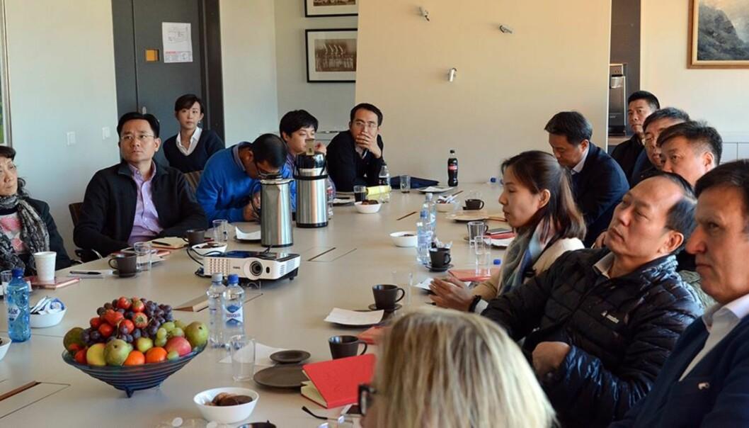 Norges idretsshøgskolen (NIH) hadde i oktober 2017 besøk av en kinesisk delegasjon ledet av idrettsminister Gou Zhongwen. Foto: NIH