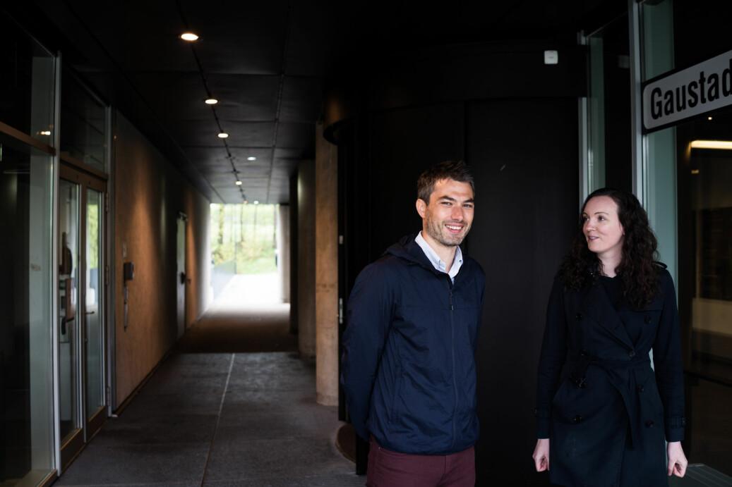 Kyrre Emblem, leder for innvalgskomitéen og kreftforsker og lege ved Oslo Universitetssykehus, og Marte Blikstad-Balas, komitémedlem og skoleforsker ved Universitetet i Oslo. Foto: David Engmo