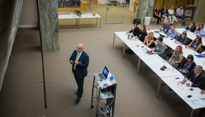 Flere hadde møtt opp for å høre OECDs mann legge fram funn om arbeidsrelevans i norsk høyere utdanning. Foto: Siri Ø. Eriksen