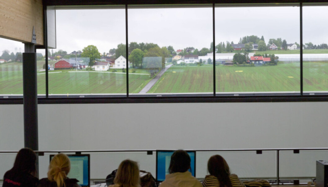 Dette vil fortsatt bli utsikten fra Oslo Metropolitan University sin campus på Romerike dersom OsloMets styre velger å si nei til flytting fra Kjeller og nybygging av Campus Lillestrøm. Foto: HiOA/OsloMet