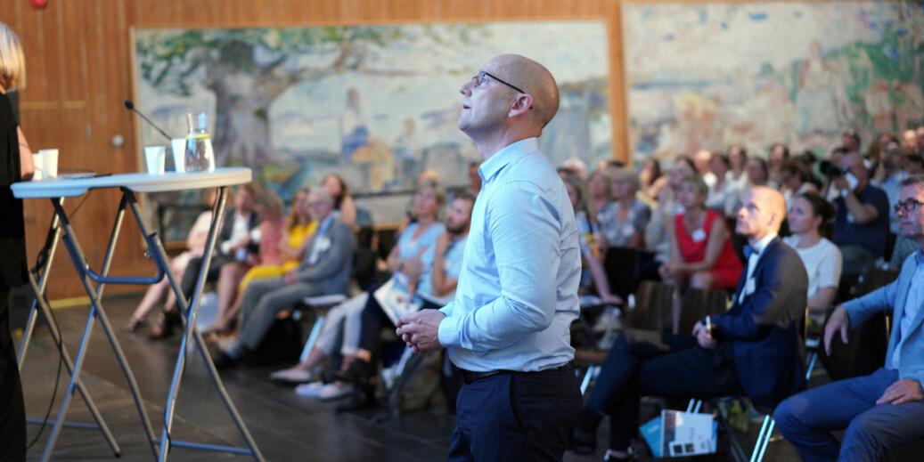 Hvordan skal vi klare å rekruttere lærerutdannere med god forskningskompetanse, god formidlingskompetanse og inngående kjennskap til det profesjonsfeltet de utdanner for, spør leder i Utdannignsforbundet, Steffen Handal, her på NIFUs årskonferanse. Foto: Ketil Blom Haugstulen