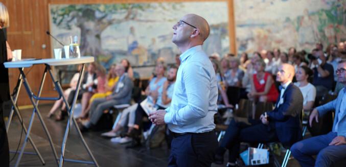 Steffen Handal på NIFUs årskonferanse på Munchmuseet.