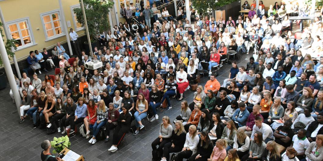 Rektor Ingunn Moser holder tale ved studiestart på VID vitenskapelige høgskole. Foto: Susanne Ward Ådlandsvik