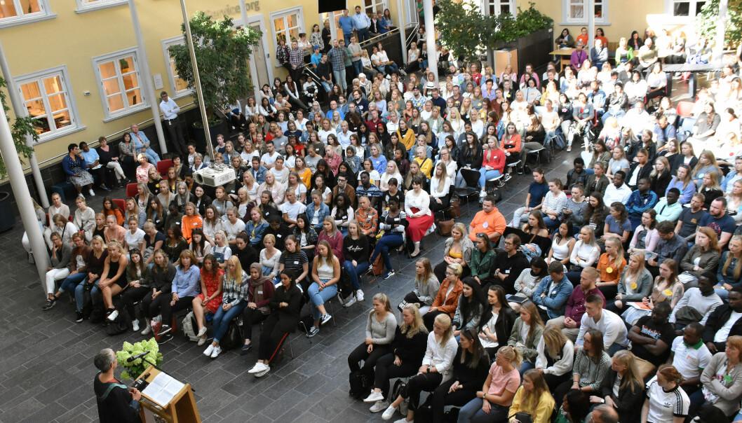Studiestart på VID i Oslo. Daværende rektor ved VID, Ingunn Moser, taler. VID får 2 millioner i fusjonsstøtte fra Iselin Nybø. Foto: Susanne Ward Ådlandsvik