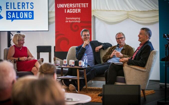 Anne Husebekk, Haldor Byrkjeflot og Hans Petter Graver debatterte under ledelse av Aslak Bonde (t.v.) i UiA-teltet i Arendal.