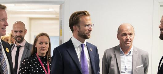 Digitaliseringsminister Nikolai Astrup besøker Nord universitet