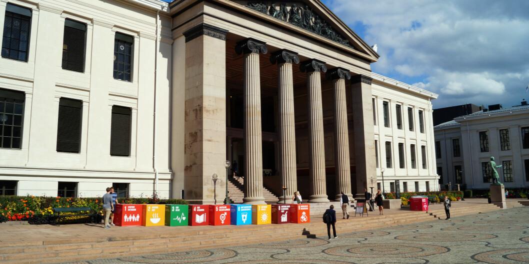 Studentene bak dette innlegget oppfordrer alle studentdemokratier til å streke sammen med Greta Thunberg. Bildet viser Universitetet i Oslo og bærekraftsmålene. Foto: Brage Lie Jor