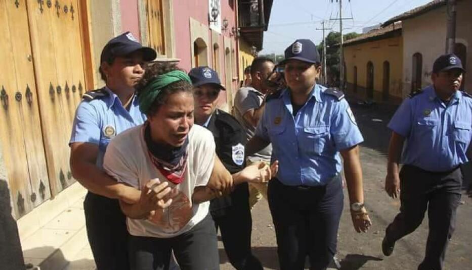 Amaya Coppens fra en av de første demonstrasjonene i år, den 20. april. Foto: Norwin Mojica