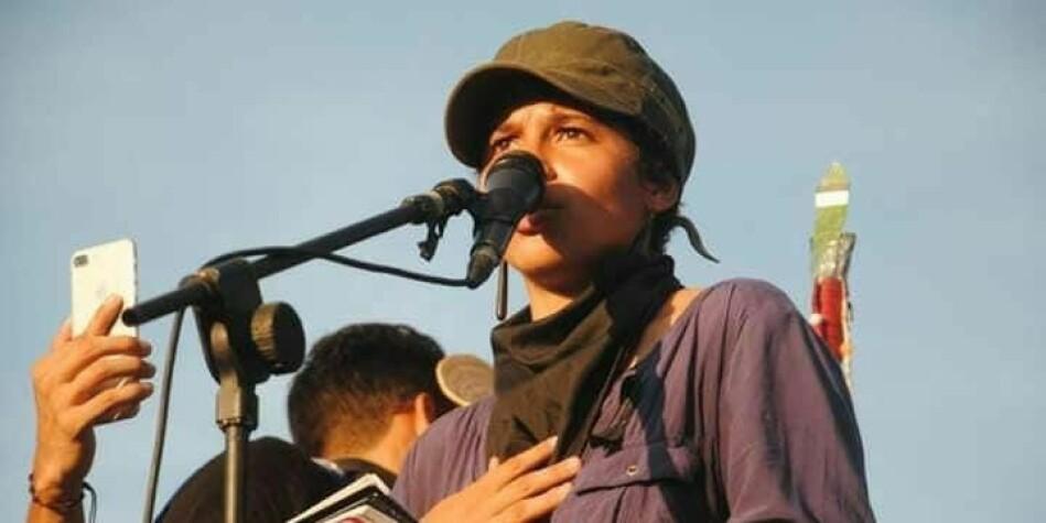 Medisinstudenten Amaya Coppens holder tale i forbindelse med en av demonstrasjonene i Nicaragua. For vel en uke siden ble hun arrestert. Foto: Norwin Mojica