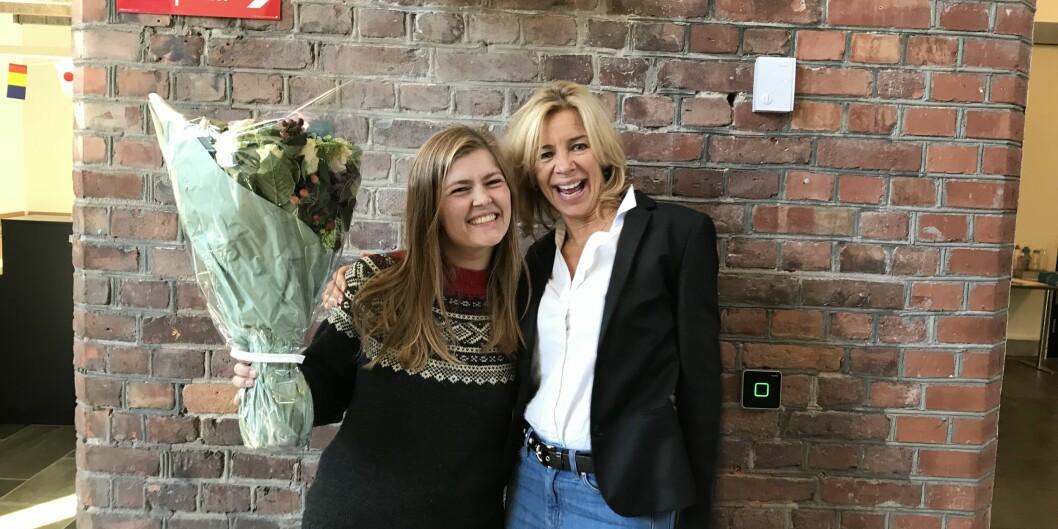 Prorektor for utdanning, Nina Waaler, sammen med årets student på OsloMet, Sunniva Myhrene Bråten. Foto: Johanne Severinsen
