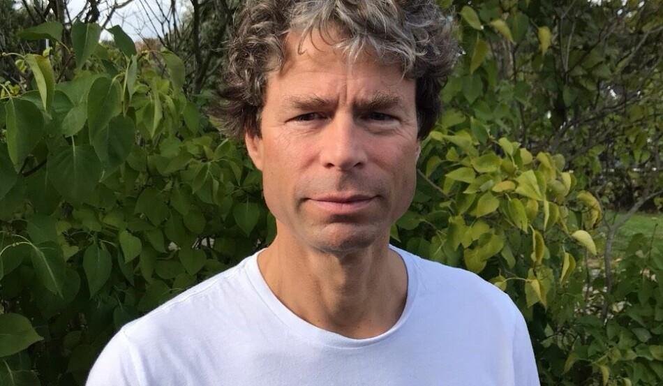 Frode Helland er professor i nordisk litteraturvitenskap, leder for Senter for Ibsen-studier og nå dekankandidat ved Det humanistisk fakultet ved Universitetet i Oslo. Foto: Privat