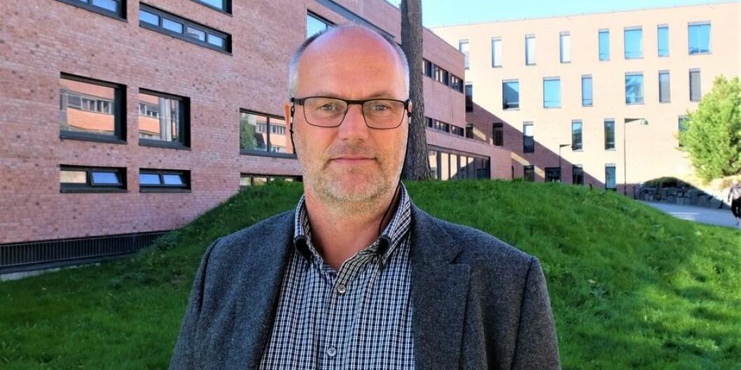 Førstelektor Morten Brekke ble utnevnt til merittert underviser av styret ved Universitetet i Agder 12. september. Foto: Sissel Eikeland/UiA