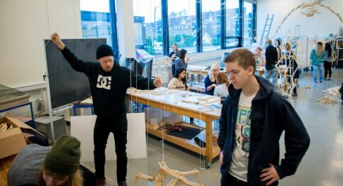 Kommer til Norge til tross for manglende professortittel