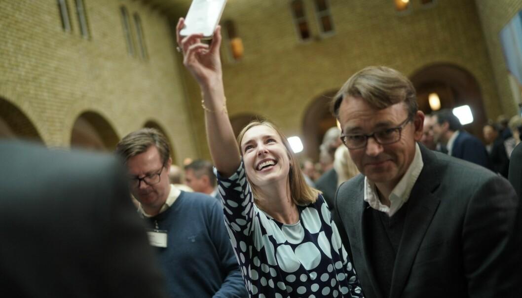 Iselin Nybø i vandrehallen på Stortinget. Foto: Ketil Blom Haugstulen