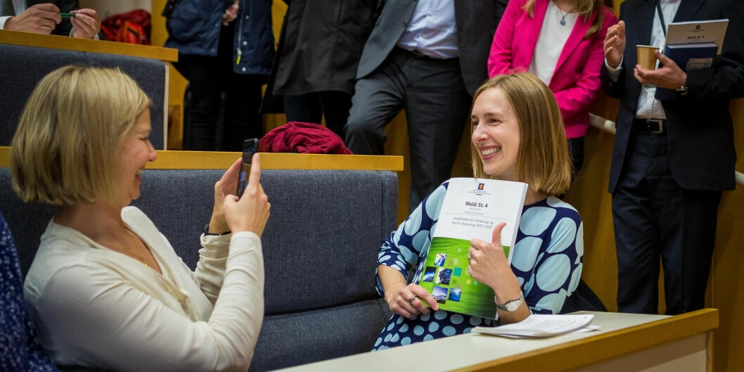 Iselin Nybø prøver å overbevise universitets- og høgskolesektoren om at det er en god langtidsplan hun har lagt fram og et bra budsjett. Hun får endel motbør. Foto: Siri Øverland Eriksen