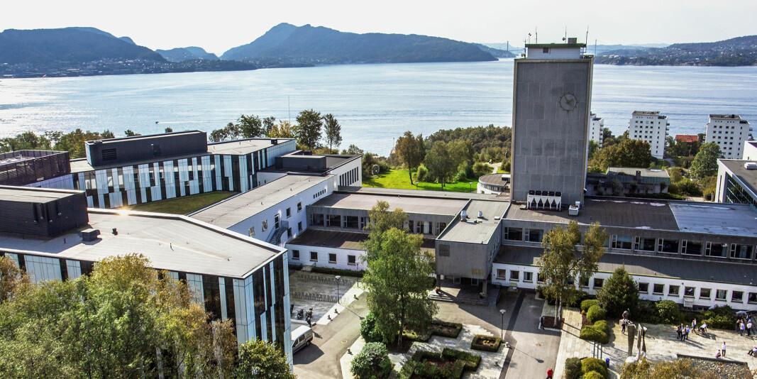 En student ved Norges Handelshøyskole har gått til rettssak mot høgskolen for manglende tilrettelegging på eksamen.
