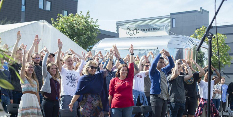 Kommuner på Sørlandet krangler om hvor studentene skal bo. Her fra studiestart ved Universitetet i Agder. Foto: Saara Ojanen