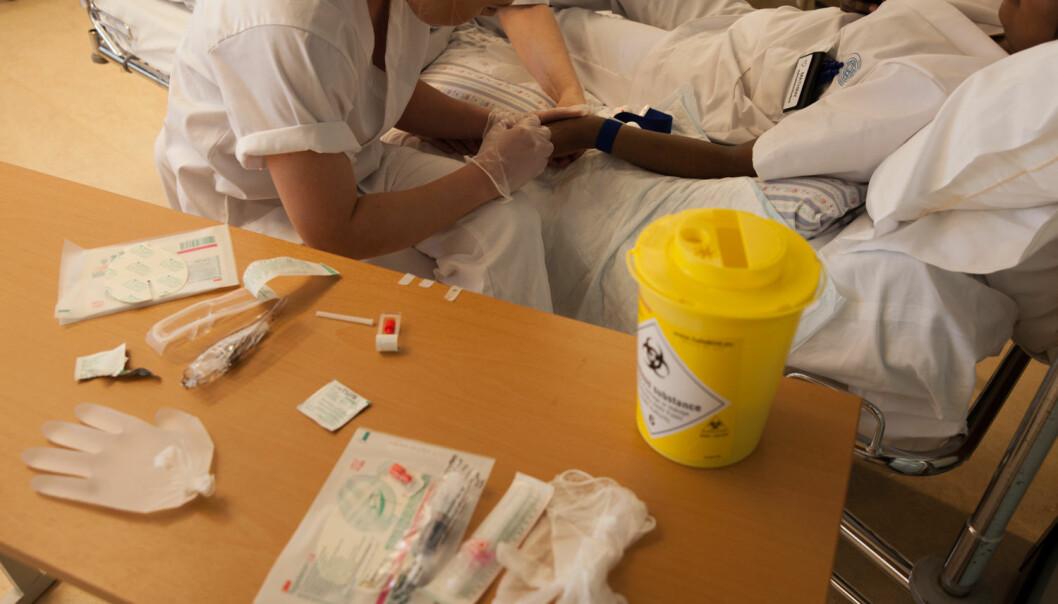 Landets sykepleieutdanninger skulle øke opptaket på utdanningene av sykepleiere med 100 denne høsten. Resultatet ble at det ble tatt opp 135 færre enn i 2017. Foto: Mina Ræge