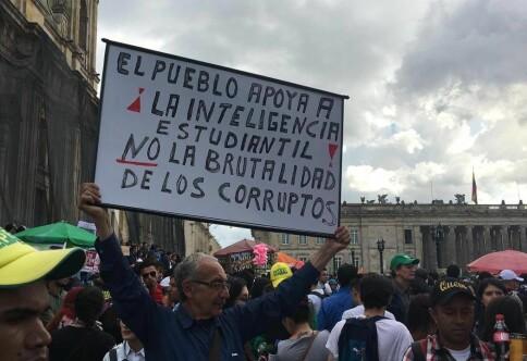 Utvekslingsstudenter midt i langvarig streik i Colombia