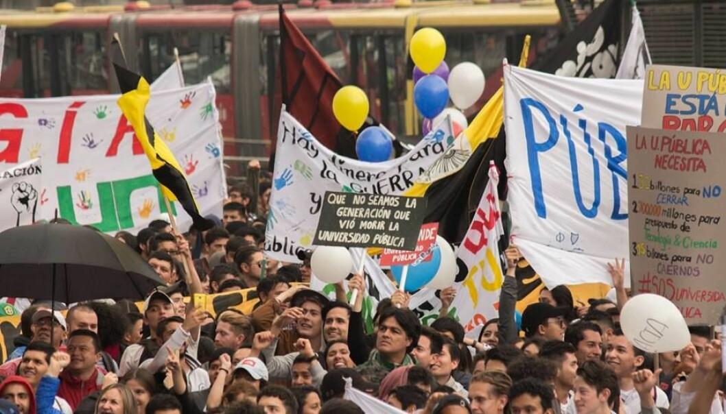 Studenter og ansatte ved Colombias statlige universiteter har vært ute i nasjonal streik i en måned, noen enda lenger enn det. Foto: UNEES