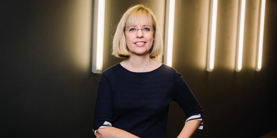 Direktør Åse Wetås i Språkrådet vil ha betre statistikk over bruken av norsk og engelsk i undervisninga i høgare utdanning. Foto: Språkrådet