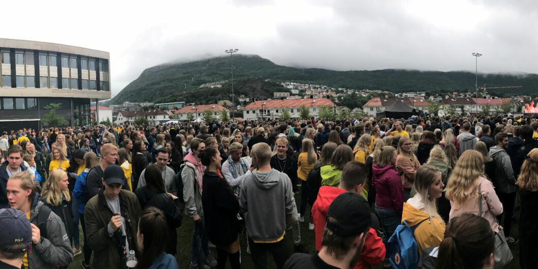 På Høgskulen på Vestlandet (HVL) vurderer de innføre bøter ved forsinka sensur, slik at studentene, her på semesterstart, skal ha få en mindre frustrerende hverdag. Foto: Janne Karin Fossheim Lønne / HVL