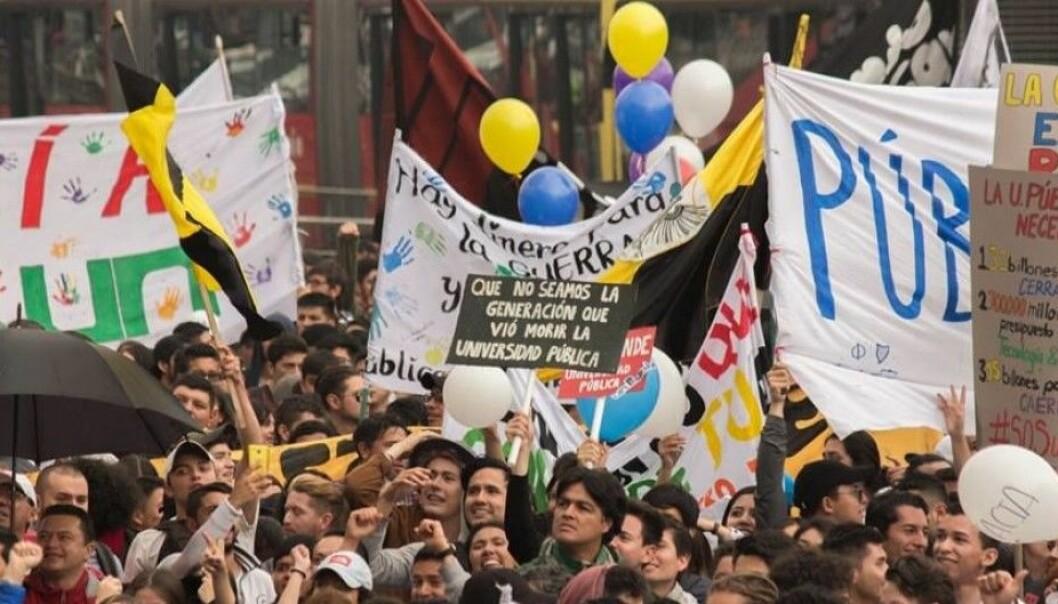 Studenter og ansatte ved Colombias statlige universiteter har vært ute i nasjonal streik i to måneder, noen enda lenger enn det. Foto: UNEES