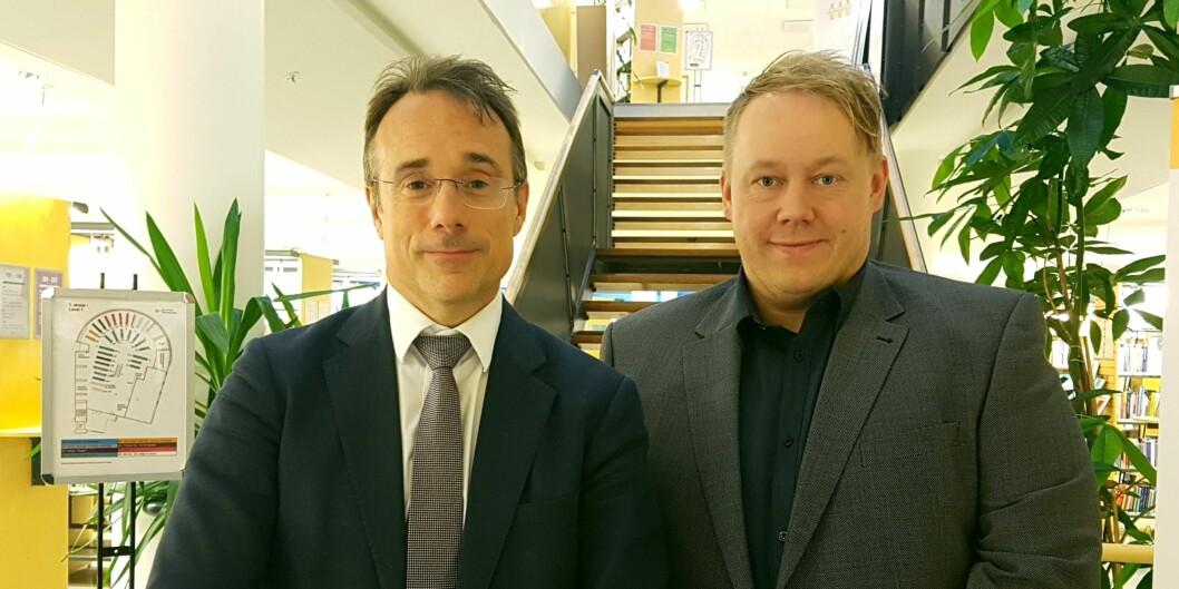 Johann Roppen (t.v.) tar fire nye år som rektor, og får Odd Helge Mjellem Tonheim som ny prorektor. Foto: Høgskulen i Volda